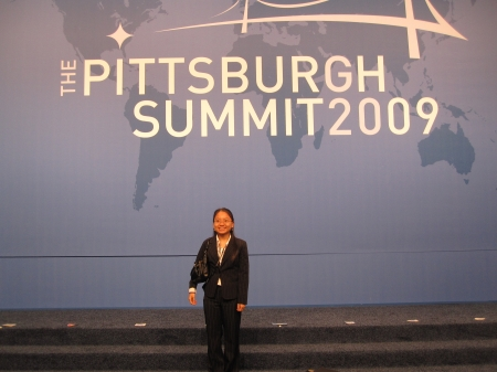 Working at the G-20 Summit in Pittsburgh.  Photo: Thao Anh Tran
